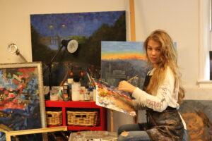 young artist Valeriia Kharlamova